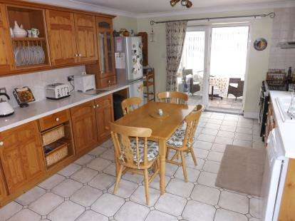 5 Bedrooms Detached House for sale in Watts Lane, Louth