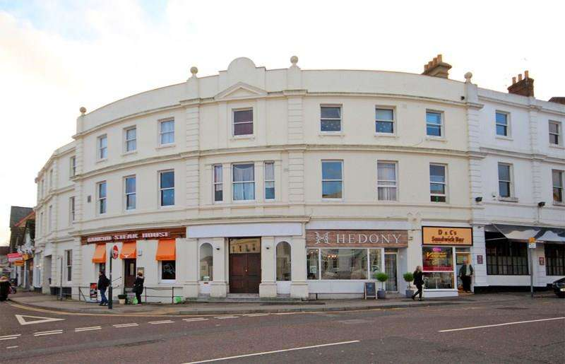 2 Bedrooms Flat for sale in Poole Hill, Bournemouth