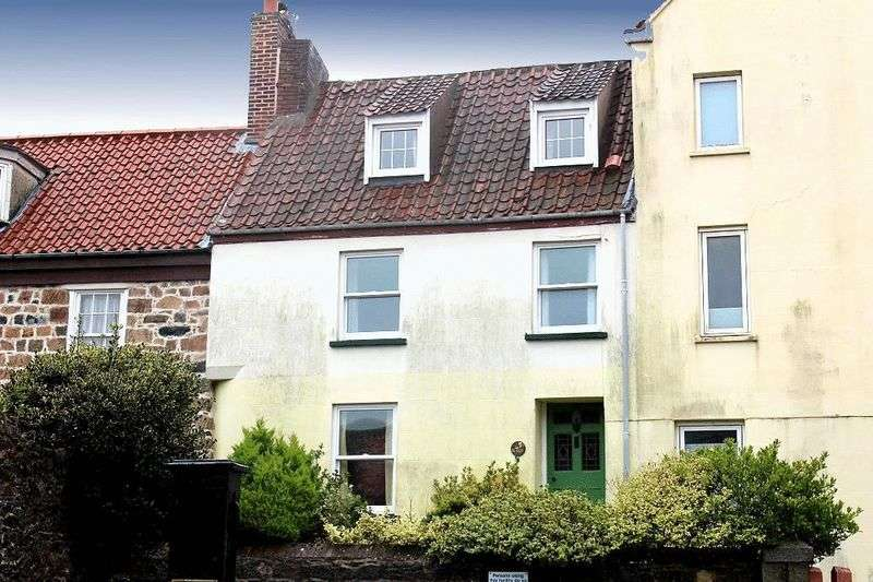 2 Bedrooms Terraced House for sale in St. Peter Port