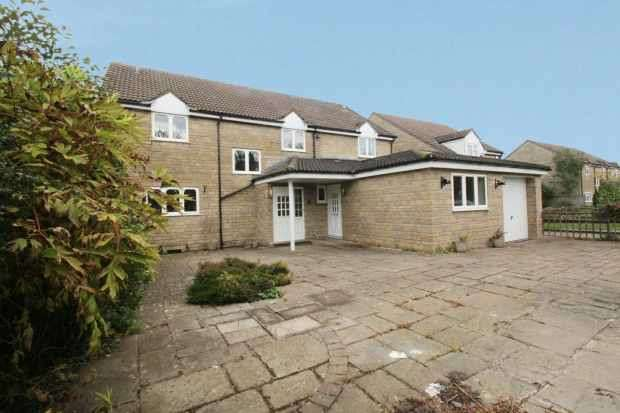 6 Bedrooms Detached House for sale in Goose Green, Bristol, Gloucestershire, BS37 5BL