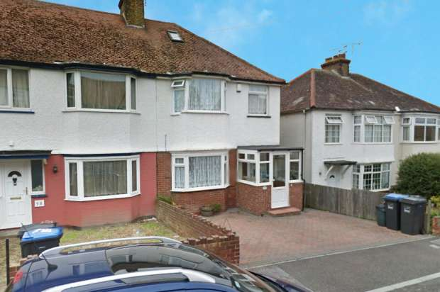 3 Bedrooms Semi Detached House for sale in Selborne Road,, Margate, Kent, CT9 3SR