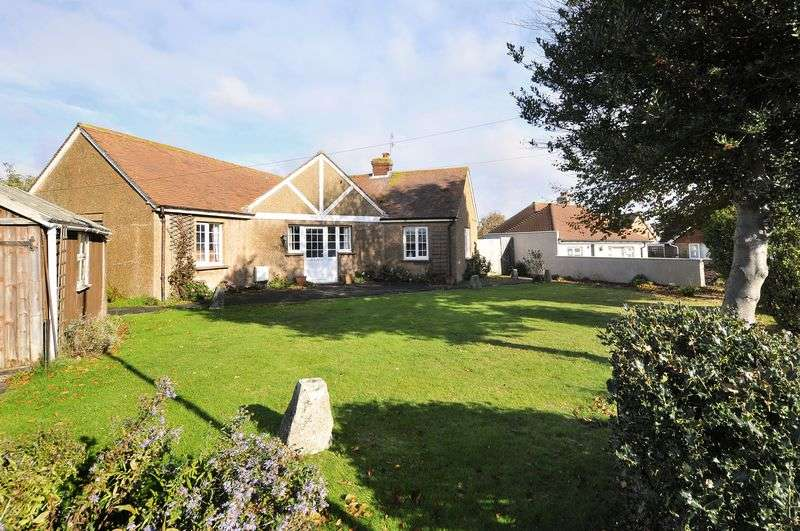 3 Bedrooms Bungalow for sale in Kings Road, Lancing