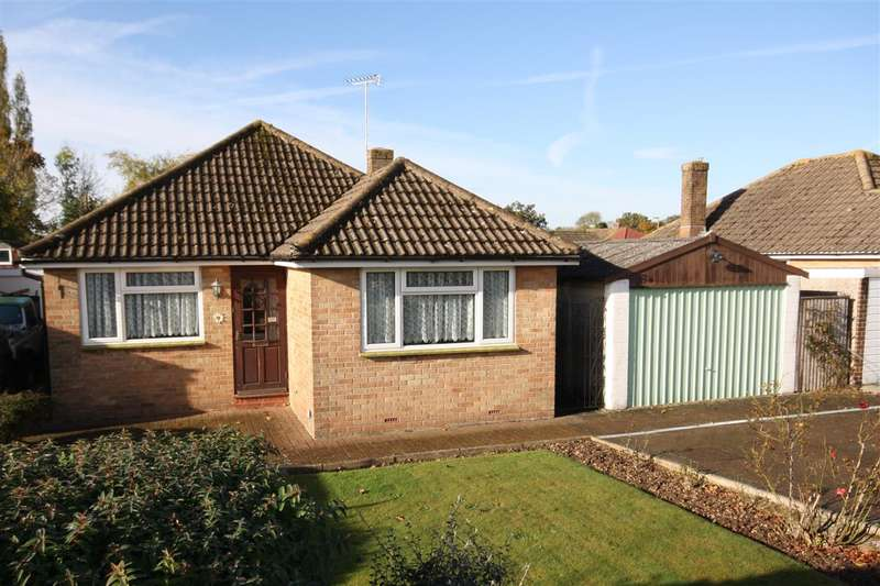 3 Bedrooms Detached Bungalow for sale in Buckland Close, Waterlooville