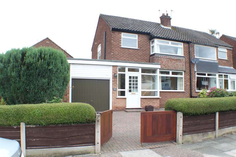 3 Bedrooms Property for sale in Vendale Avenue, Swinton, Manchester