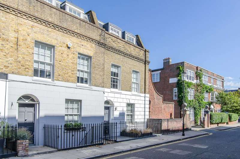 3 Bedrooms House for sale in Britten Street, Chelsea, SW3