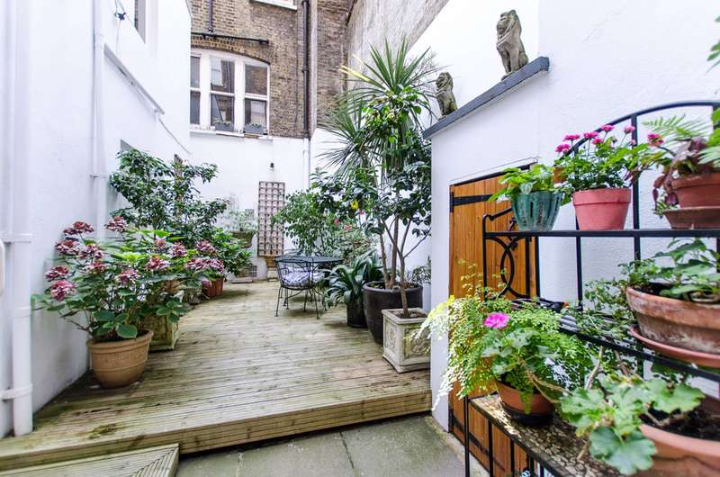 3 Bedrooms Flat for sale in Chelsea Embankment, Chelsea, SW3