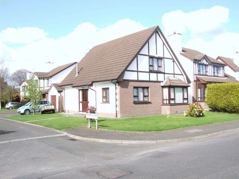 3 Bedrooms Detached House for sale in Manor Close, Carrickfergus