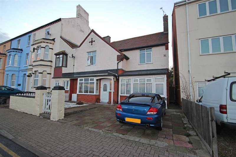 4 Bedrooms Semi Detached House for sale in The Parade, Walton-On-The-Naze