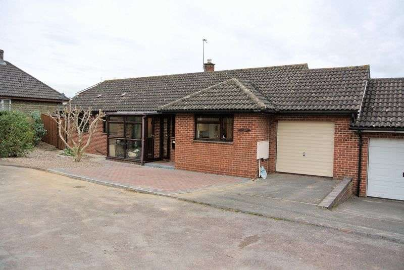 2 Bedrooms Detached Bungalow for sale in Walton Close, Upton St Leonards, Gloucester