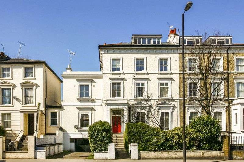 3 Bedrooms Flat for sale in Camden Road, London, Greater London, N7