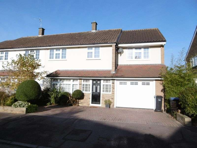 4 Bedrooms Semi Detached House for sale in Arkwrights, Harlow, Essex