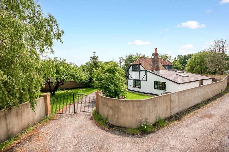 3 Bedrooms Detached House for sale in Reigate Road, Hookwood, Horley, Surrey, RH6