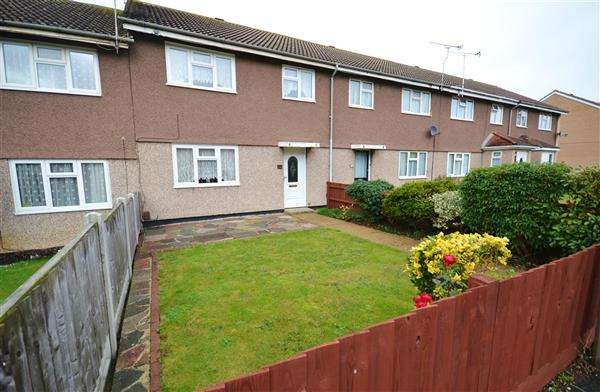 3 Bedrooms Terraced House for sale in Lyndhurst Road, Corringham