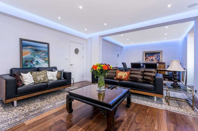 3 Bedrooms Flat for sale in Latymer Court, Brook Green, W6