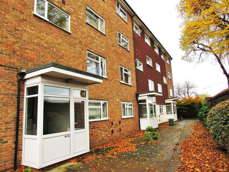 2 Bedrooms Flat for sale in Beacon Grove, Carshalton, Surrey, SM5 3BA