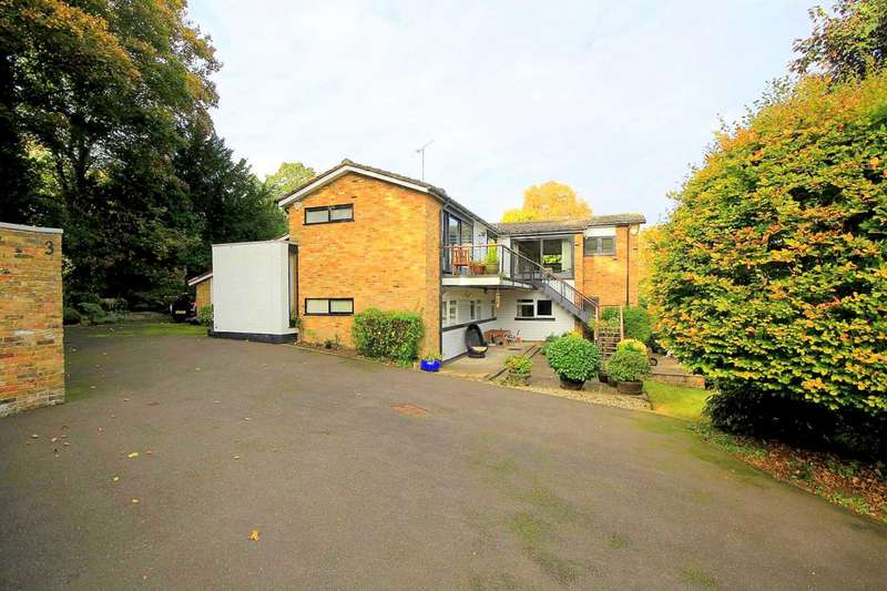 4 Bedrooms House for sale in 2702 SQ FT 4 BED ARCHITECT DESIGNED PROPERTY IN Bury Hill Close.