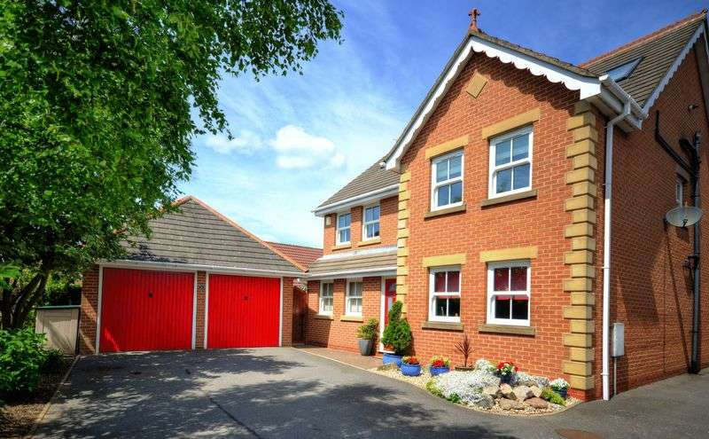 5 Bedrooms Detached House for sale in Goodwood Close, Stretton