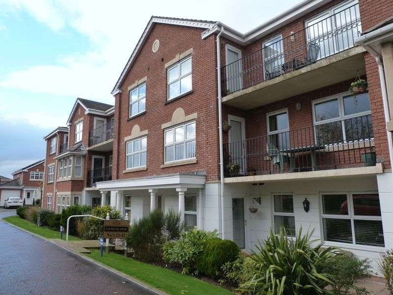2 Bedrooms Flat for sale in Poachers Trail, Lytham St Annes