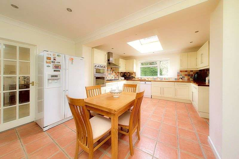 3 Bedrooms Detached House for sale in Blondell Drive, Bognor Regis PO21