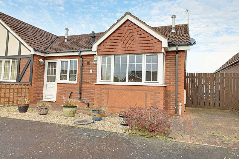 2 Bedrooms Semi Detached Bungalow for sale in Glanford Way, Scunthorpe