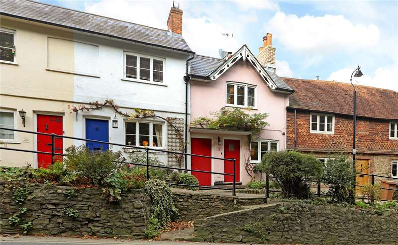 2 Bedrooms Terraced House for sale in Shepherds Hill, Haslemere, Surrey, GU27