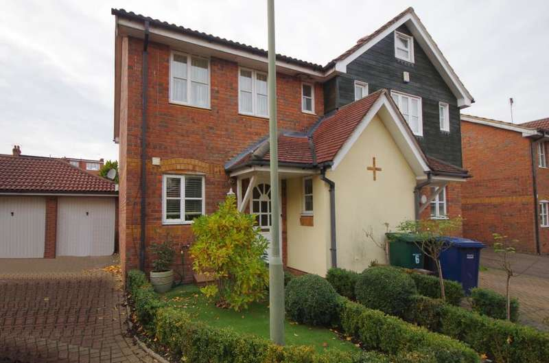 3 Bedrooms Semi Detached House for sale in BOXWORTH CLOSE, NORTH FINCHLEY, N12