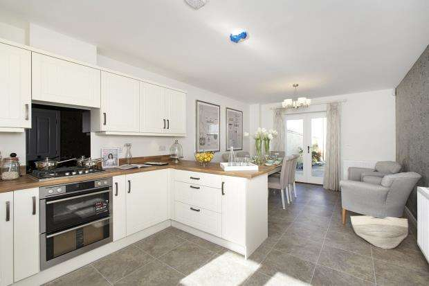 3 Bedrooms Terraced House for sale in Stret Euther Pendragon, Quintrell Road, Newquay, Cornwall
