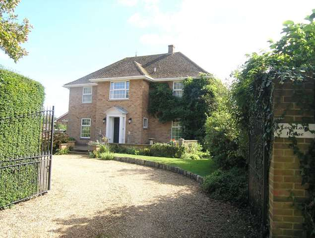 4 Bedrooms Detached House for sale in Love Lane, Bembridge, Isle of Wight, PO35 5YD