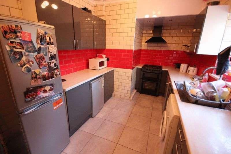 6 Bedrooms House for rent in Buckingham Grove, Hyde Park, LEEDS