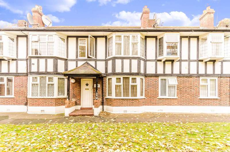 2 Bedrooms Flat for sale in Tudor Court, Walthamstow, E17