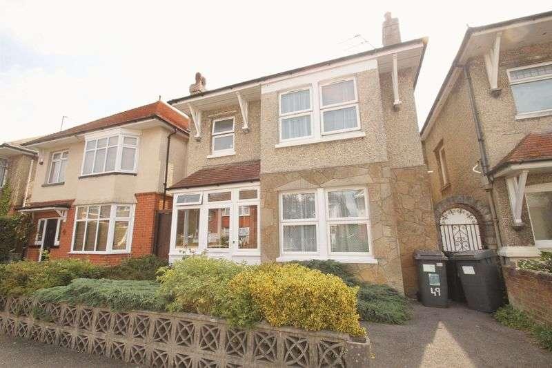 5 Bedrooms Detached House for rent in Heathwood Road, Winton
