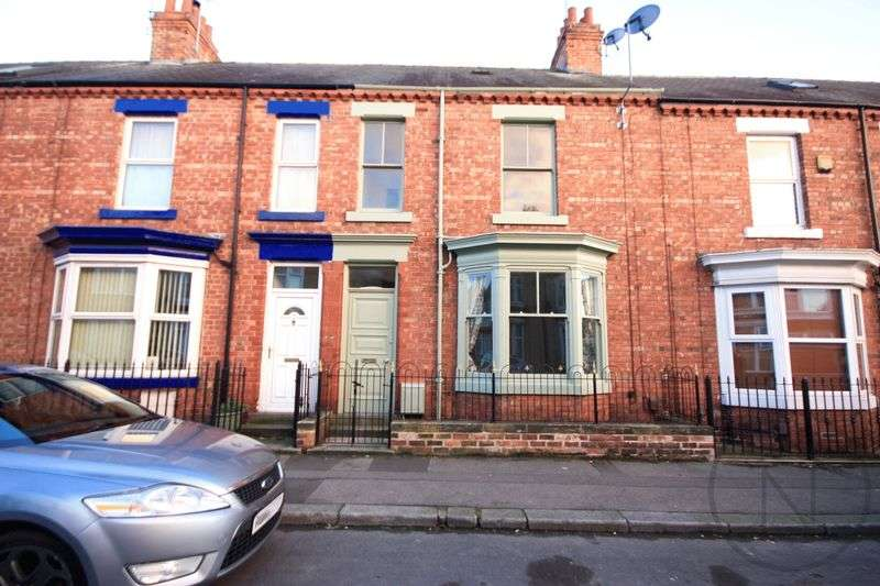 3 Bedrooms Terraced House for sale in Clifton Road South Park Darlington