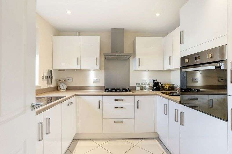 3 Bedrooms House for sale in Field View Road, Congleton
