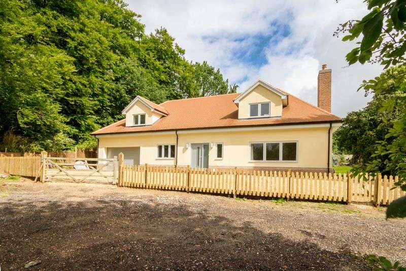 5 Bedrooms Detached House for sale in Stunning 5 Bed ECO House , Whipsnade