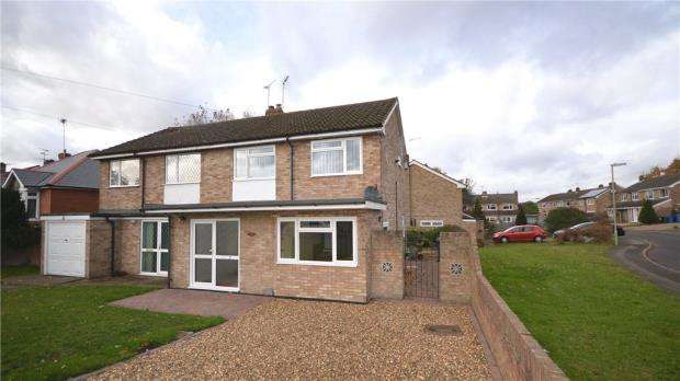 3 Bedrooms House for sale in Bell Lane, Blackwater, Surrey