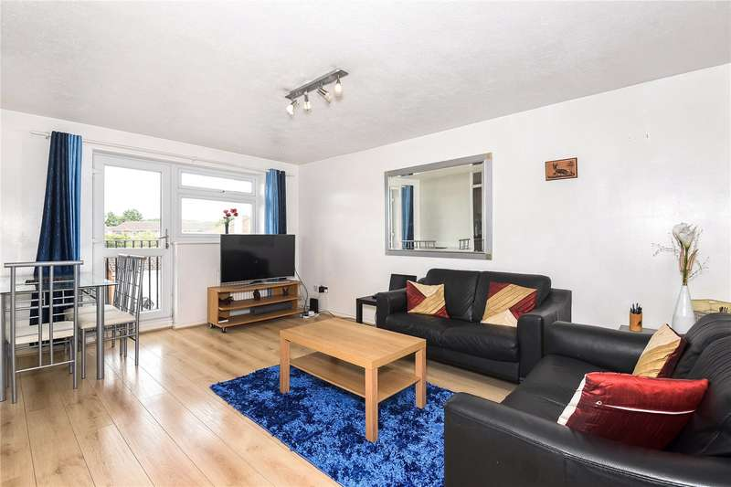 2 Bedrooms Apartment Flat for sale in Aylsham Drive, Ickenham, Uxbridge, Middlesex, UB10
