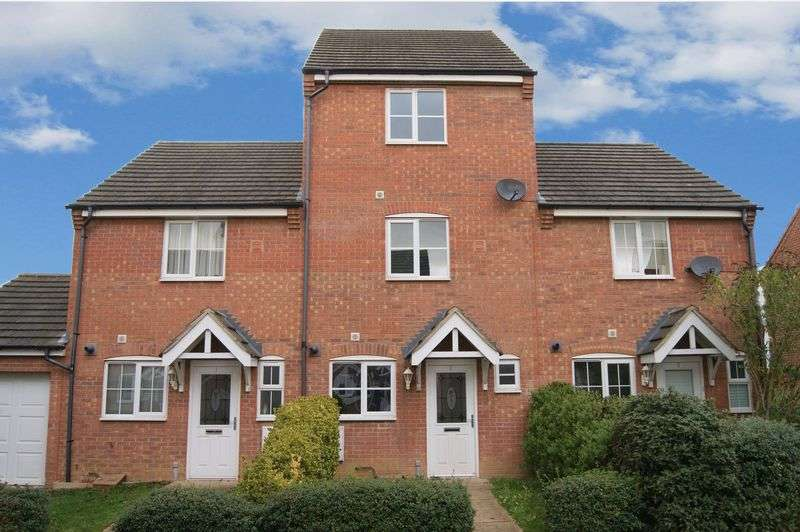 3 Bedrooms Terraced House for sale in Yeldersley Court, Grantham