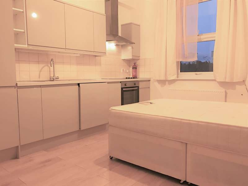 Flat for sale in 288 Holloway Road, Holloway