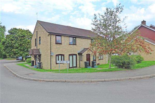 2 Bedrooms Apartment Flat for sale in Cavalier Way, Wincanton