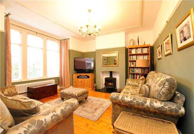 4 Bedrooms Semi Detached House for sale in Grace Road, Downend, BRISTOL, BS16 5DU