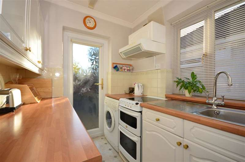 2 Bedrooms Semi Detached Bungalow for sale in Meadow Way, Reigate, Surrey