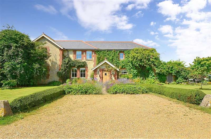 5 Bedrooms Detached House for sale in Kern Lane, Alverstone, Sandown, Isle of Wight