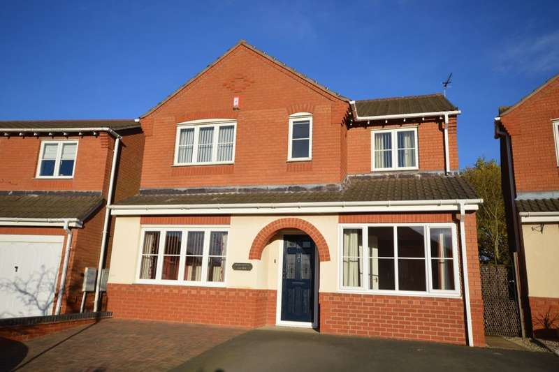 4 Bedrooms Detached House for sale in Ault Dene, Swadlincote, DE11