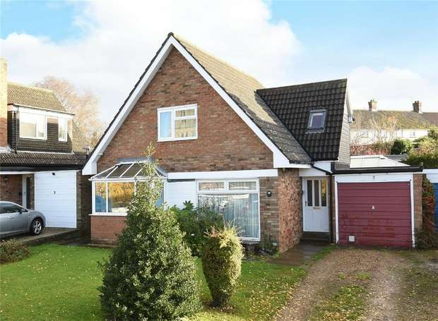 4 Bedrooms Detached House for sale in Trinity Close, Felmersham, Bedford