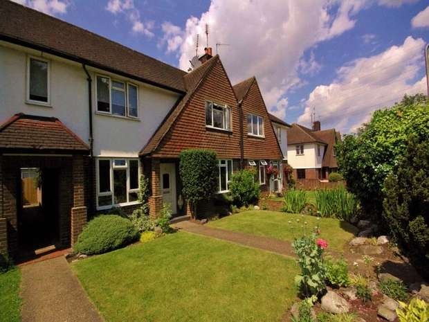 2 Bedrooms Flat for sale in Moor Lane Crossing, WATFORD, Hertfordshire