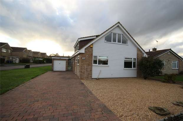 3 Bedrooms Detached House for sale in Harkwood Drive, Poole, Dorset