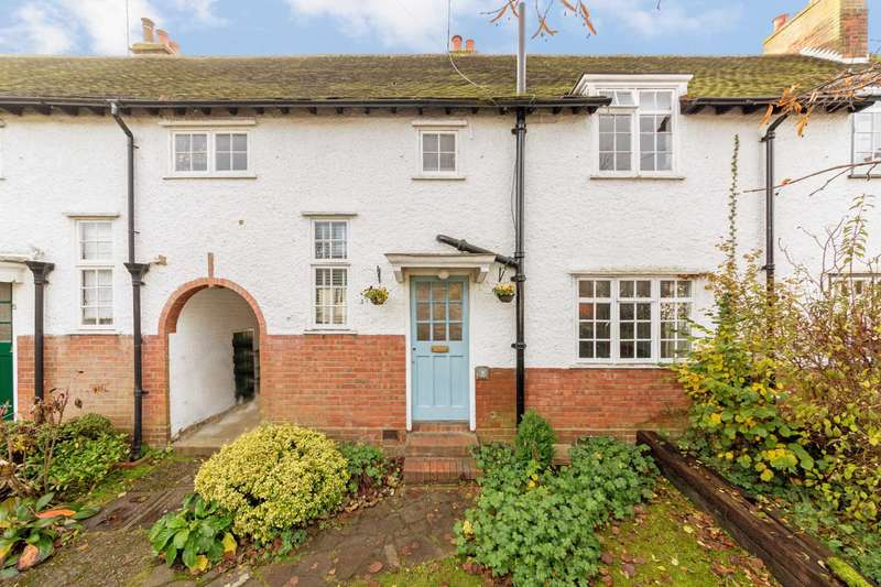 3 Bedrooms House for sale in Greenway, Berkhamsted