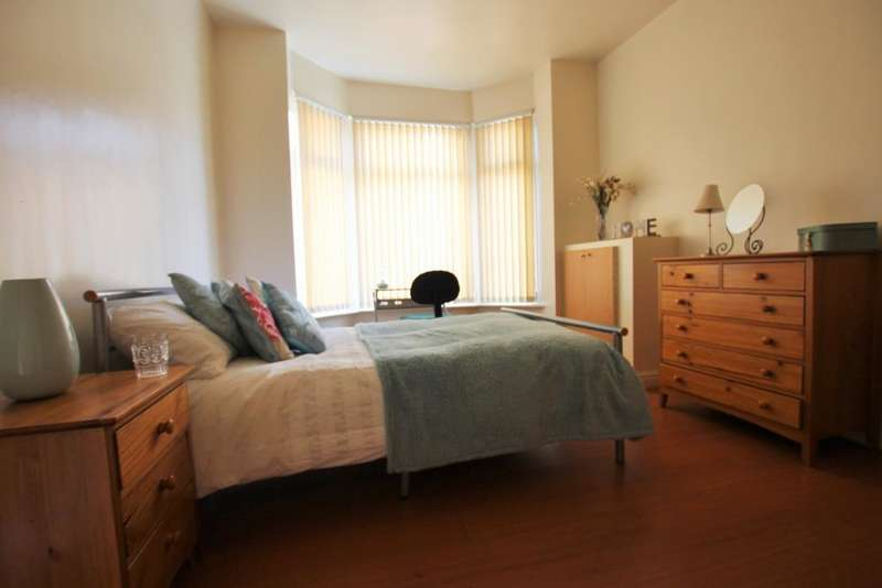 7 Bedrooms Terraced House for rent in Great Western Street, Rusholme, Manchester, M14 4AL