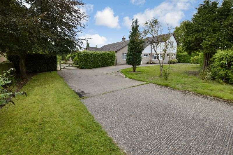 3 Bedrooms Detached Bungalow for sale in Larkfield, Moor Lane, Roughton, Woodhall Spa