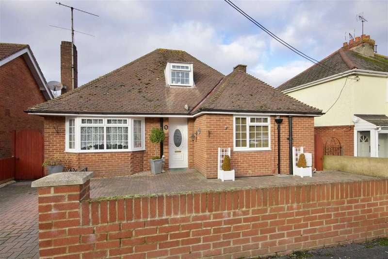 4 Bedrooms Bungalow for sale in Belmont Road, Andover